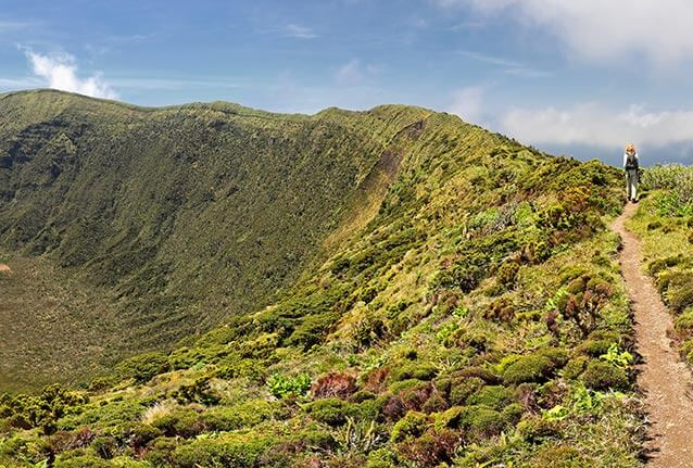 trail of the caldera descent on the island of Faial